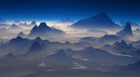 在积雪覆盖的山的日出 库存照片