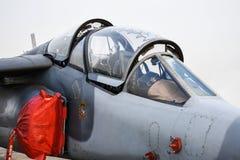 在空军停放的军用喷气式歼击机驾驶舱  库存照片