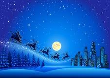 在空气的圣诞老人飞行 库存图片
