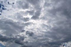 在空气的好的云彩 免版税库存图片