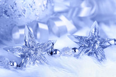 在空白毛皮的圣诞节星形 免版税库存照片