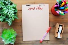 在空白的包装纸笔记本背景的2018个计划在办公室ta 免版税库存图片