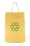 在空白背景与回收符号查出的购物袋 免版税库存照片