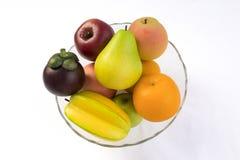 在空白背景查出的新鲜水果 库存照片