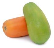 在空白背景查出的番木瓜 库存照片