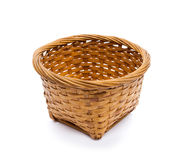 在空白背景查出的空的木篮子 免版税库存图片
