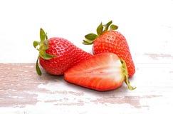 在空白背景查出的草莓 免版税库存照片