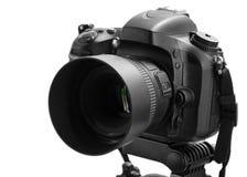 在空白背景查出的黑色数字照相机 库存照片