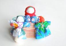 在空白背景的手工制造五颜六色的玩偶 免版税图库摄影