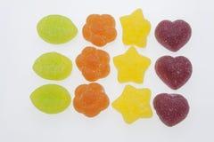 在空白背景的果冻糖果 在白色背景的胶粘的糖果 我们喜欢明胶 免版税库存图片