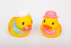 在空白背景的橡胶鸭子 免版税库存图片