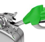 在空白背景的气泵喷管和五加仑装之汽油罐 库存照片