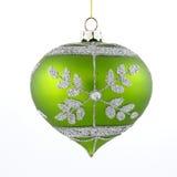 在空白背景的绿色圣诞树玩具 免版税图库摄影
