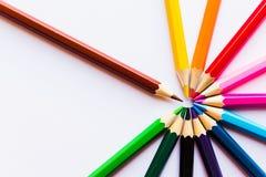 在空白背景的色的铅笔 库存照片