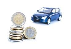 在空白背景&汽车查出的货币 库存照片