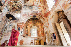 在空的历史正统修道院Gelati,联合国科教文组织世界遗产名录站点的墙壁上的老壁画 免版税库存照片