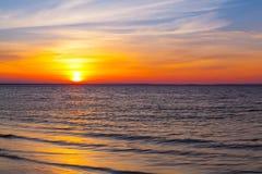 在空的海滩的惊人的日落,鳕鱼角,美国 库存照片