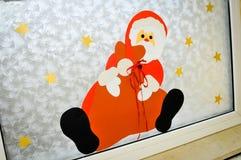在窗口的圣诞老人例证 免版税库存照片