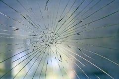 在窗口的残破的玻璃 库存图片