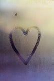 在窗口的爱心脏 免版税库存图片