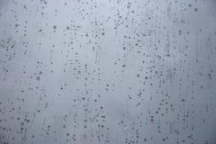 在窗口的雨 免版税库存图片