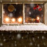 在窗口33的圣诞节装饰 免版税图库摄影