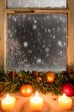 在窗口19的圣诞节装饰 免版税库存图片