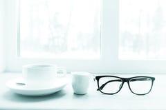 在窗台的冬天早餐 库存图片