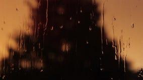 在窗玻璃背景的雨珠 影视素材