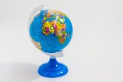 在立场的五颜六色的地球与非洲大陆 库存图片