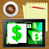 在立方体美国收入片剂的美元标志 免版税图库摄影