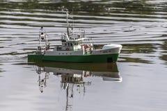 在竞争的遥控标度船 库存图片