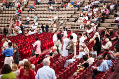 在竞技场二维罗纳的观众, 免版税库存图片