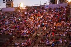 在竞技场二维罗纳,意大利的观众 库存照片