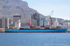 在端口的船 免版税图库摄影