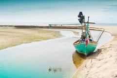 在端的渔船停车 免版税库存照片