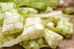 在竹容器的ketupat框 传统马来的纤巧d 库存图片