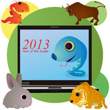 在笔记本屏幕的滑稽的蛇和动物  库存例证