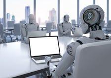 在笔记本的机器人工作 皇族释放例证