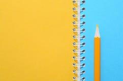 在笔记本的铅笔 免版税库存图片