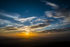 在笔Y爱好者,山脉,威尔士英国的日落 库存图片