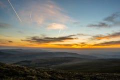 在笔Y爱好者,山脉,威尔士英国的日落 图库摄影