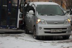 在符拉迪沃斯托克的第一主要降雪。 免版税库存图片