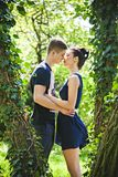 在第一个亲吻前的短的浪漫时间 库存图片