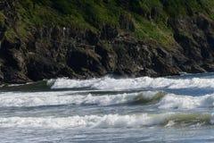 在第一个海滩的海浪在La推挤, WA 库存照片