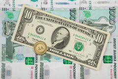 在第一千个俄罗斯卢布衡量单位是$ 10和硬币与 库存照片