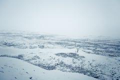 在第一雪的一个美好的挪威风景在秋天 库存图片