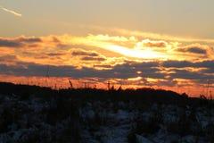 在第一雪以后的日落 库存照片
