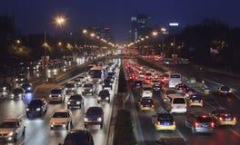 在第三条环行路在晚上,北京,中国的交通堵塞 库存照片
