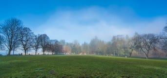 在第二个海滩的有薄雾的早晨 免版税图库摄影